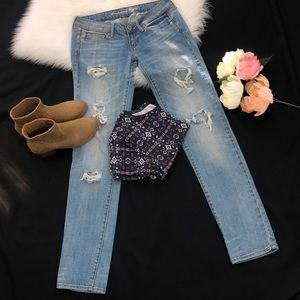American Eagle Denim Jeans Destroyed style, Size:0